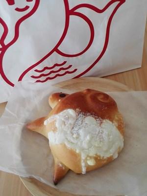 ひつじ型クリームパン